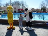 Six Flags, New Jersey - Tweety Bird and Sylvester